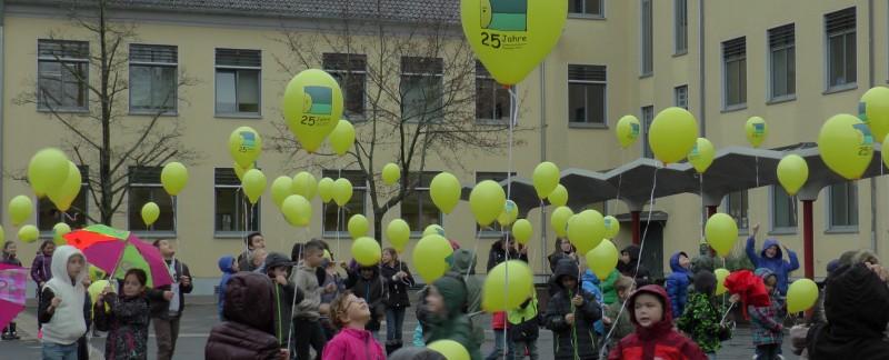 Kinderschutzdienste_Luftballonaktion
